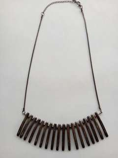 Kalung (Statement Necklace)
