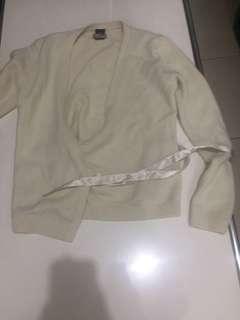 GAP white long sleeves