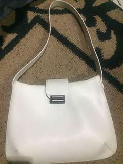 Authentic 100% Bally bag (swiss made) bag code is 1703-00