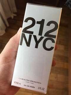 Carolina Herrera 212 NYC, 60ml
