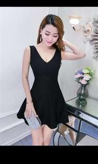 V collar sleeveless strapless slim temperament small black dress 2018 summer new Korean style fashion a dress girl
