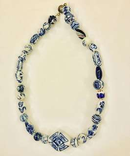 Oriental style blue & white beads necklace