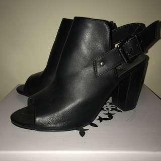 DOTTI CUT OUT BOOTS