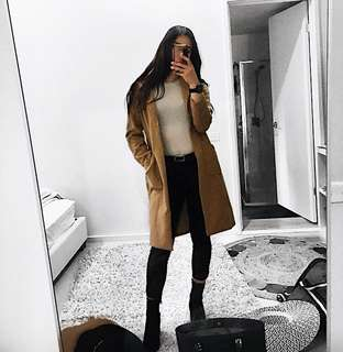 Thick warm camel collared long coat XS - S