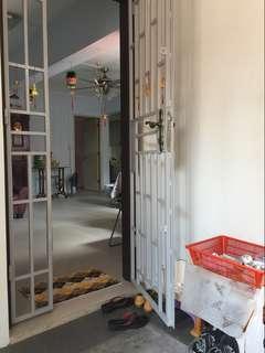 415 Pandan Gardens 3 Room Flat For Rent