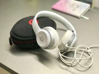 NEW White Beats 耳機** excellent condition! Unused!