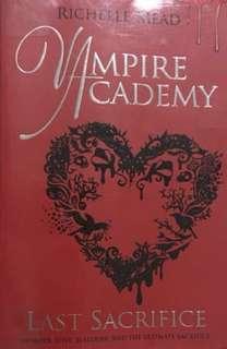 Last sacrifice a Vampire academy book
