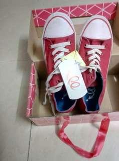 波鞋size37