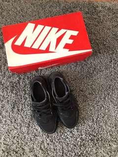 Nike Black Huarache Run