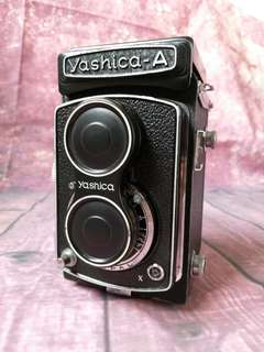 Yashica A  TLR medium format film camera