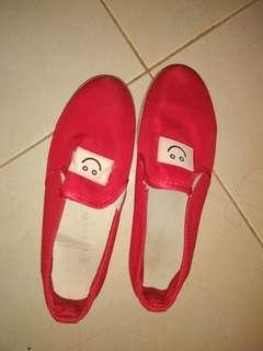 sepatu red