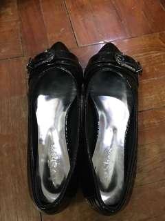 女 黑色平底鞋 尖頭