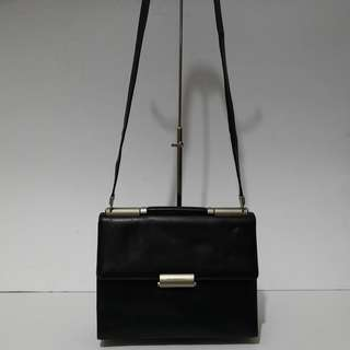 Authentic Mandarina Duck Black Kelly Style Two-way Leather Shoulder Bag