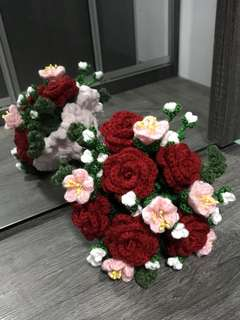 Crochet flower bouquet- red roses with pink n white flowers