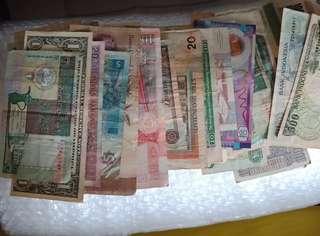 Uang kertas dari 5 benua, 70 lembar, bonus IDR 1000, 500, dan 1