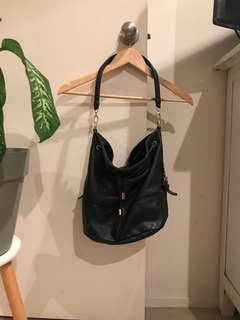 Colette simple black bag
