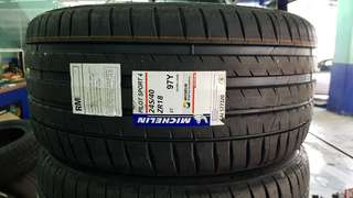 Michelin Pilot Sport 245/40/ZR18