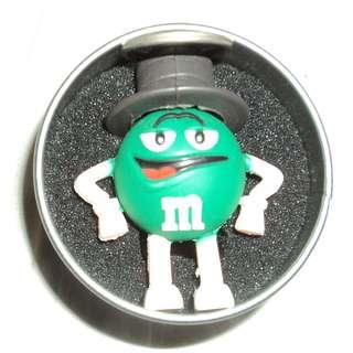 M&M USB