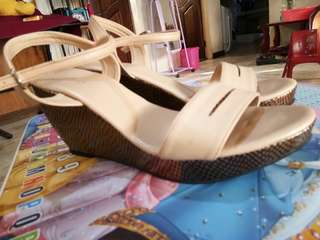 Wedge Sandals-Effegi-color beige-size 9: used only once