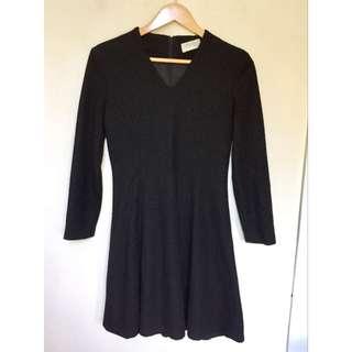 所有商品皆可議價‼️ 穿不到三次 專櫃品牌 毛料長袖黑裙