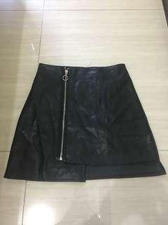 🚚 暗黑系黑色皮裙