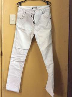 Light grey maong jeans pants