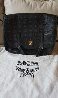 MCM black bag 側袋100% real 99%New
