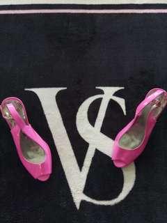 ~ Novo Pink Fluro Heels ~