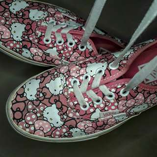 REPRICED Pre-loved Hello Kitty Vans Shoes