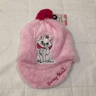 Marie plush cap with pom pom 1