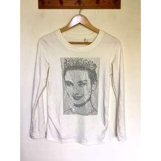 所有商品皆可議價‼️ 極少穿 奧黛麗赫本亮珠圓領白T恤