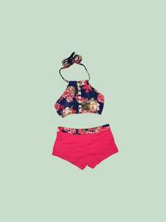 Halter type swimsuit