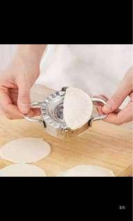 Dumplings maker (postg included)