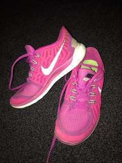 Pink 5.0 Nike's