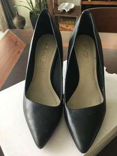 ALDO genuine leather pumps. Very slightly used. No footmarks!