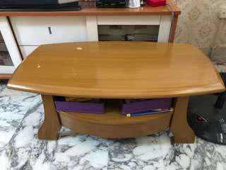 Coffee Table with 1 drawer.