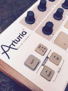 Arturia MiniLab - Midi Controller
