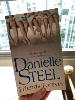 Danielle Steel's Friends Forever
