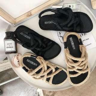 編織草鞋感