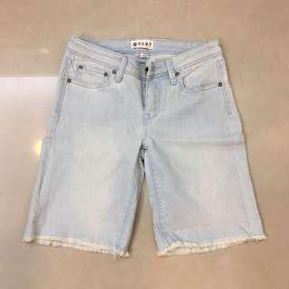 🚚 Roxy 正品 淺藍 牛仔 短褲 五分褲 素色 鬚邊