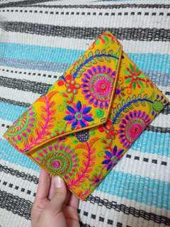 印度芥末黃繡花包