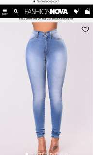 FASHION NOVA CLASSIC HIGHWAIST JEANS