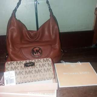 💯original Michael kors mk bag and wallet