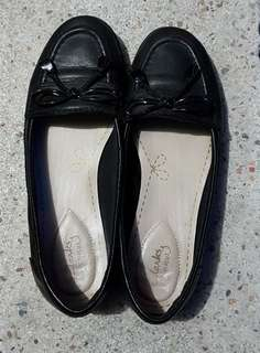 Pre-loved shoes, Clarks feya bloom