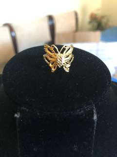 18ct solid gold butterfly ring