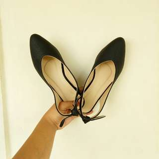 Pointed and Open-back shoes