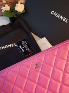 CHANEL 30cm Clutch in Pink