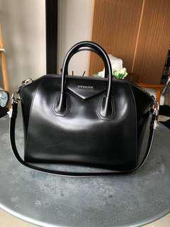 Antigona Givenchy - Medium Black