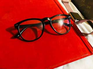 Unbranded eyeglass made of acrylic plastic black