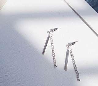 *Brand new* Bar and chain earrings